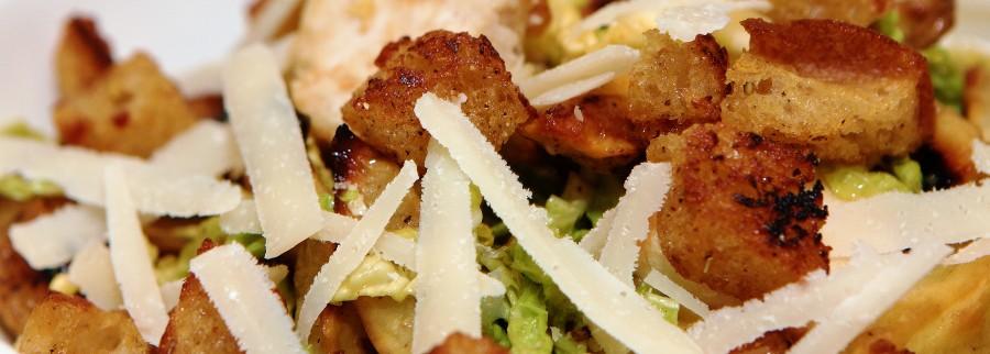 En nyfortolkning af den klassiske Caesar Salad