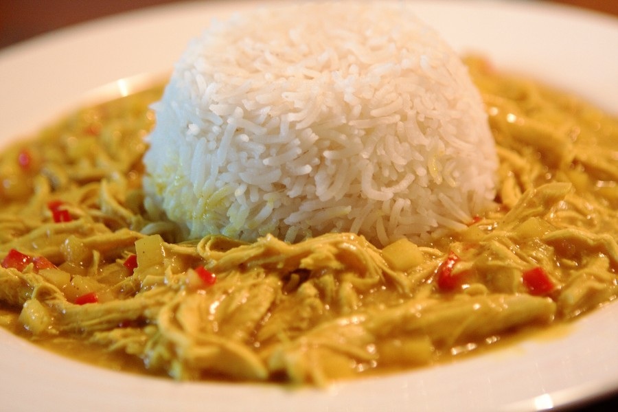 Kylling i karry/kokos/æble sauce m. ris