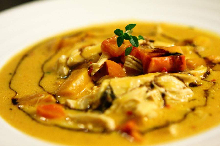 Cremet græskar suppe med chili og kylling