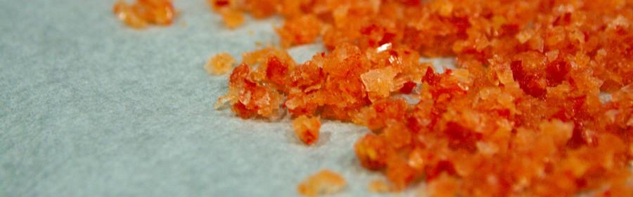 Saltkrystallerne klar til tørring - her chilisalt
