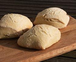 hjemmebagte ciabatta brød - perfekte for cafeburgeren