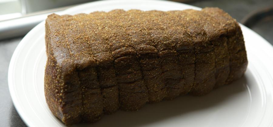 Roastbeef har ligget i rub en times tid - klar til grillen