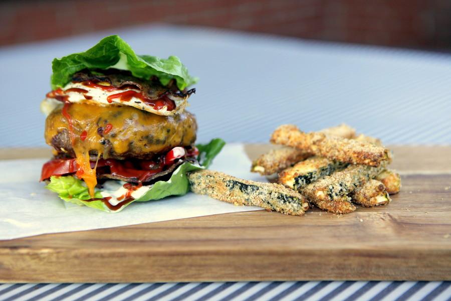 Squash-fritter er perfekt tilbehør til burgeren