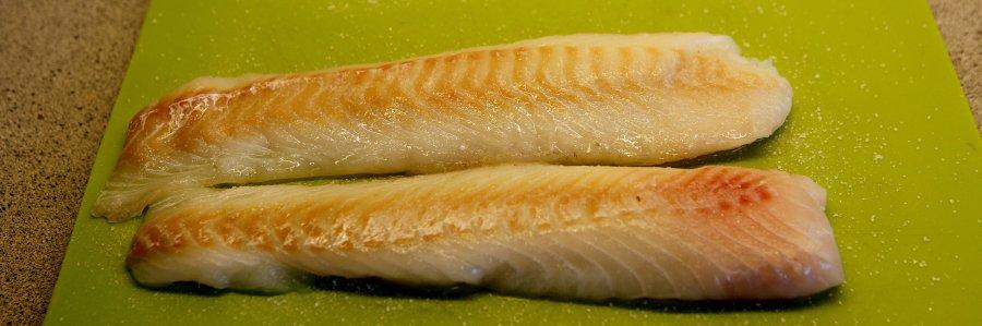 fisken ligger i salt og rimer