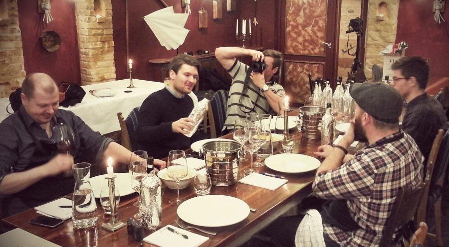 Når bloggere mødes er der altid kameraer ved bordet