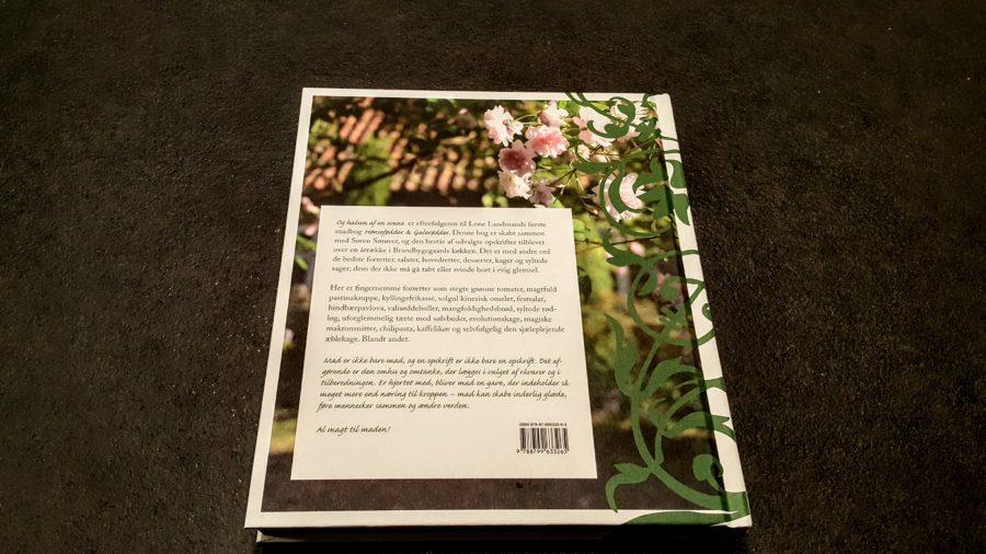 bagsiden af bogen
