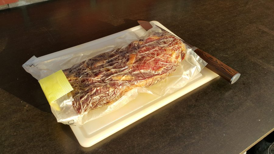 Kødet ligger i en dryaging pose imens det modner